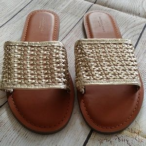 NWOT American Eagle sandals Size 8